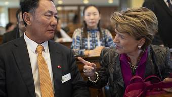 Geng Wengbing, Botschafter der Volksrepublik China, und Seco-Direktorin Marie Gabrielle Ineichen-Fleisch, an der Tagung über die Evaluierung des Freihandesabkommens zwischen der Schweiz und China vom 26. September 2018 in St. Gallen.