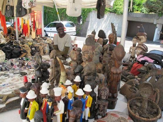 Freundliche Händler beim Festival der Kulturen in Rheinfelden