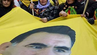 Tausende Kurden kamen nach Strassburg