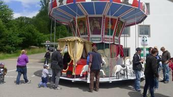Alle Jahre heiss begehrt - das Karussell am Sommerfest der «Schürmatt» in Zetzwil.