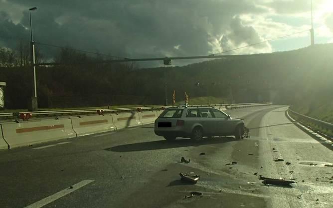 Bei zwei Unfällen auf der A3 im Kanton Aargau entstand nach Polizeiangaben beträchtlicher Sachschaden.
