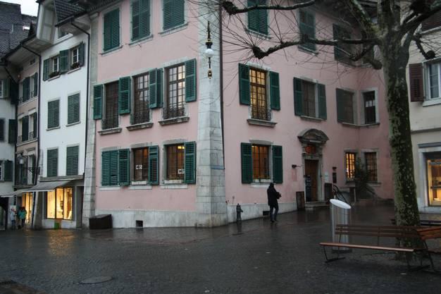 Der Fryhof oder Freihof am Friedhoplatz beherbergt das gleichnamige Bistro mitsamt Pizzeria.