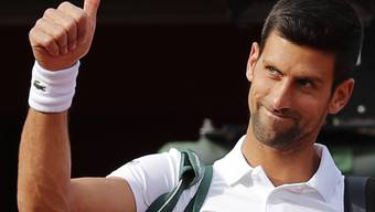 """Weiss um den Einfluss seiner Liebe auf seinen Sohn Stefan: Tennis-Star Novak Djokovic ist einer der Prominenten, die sich am Vatertag als """"Super Dads"""" inszenierten. (Archivbild)"""