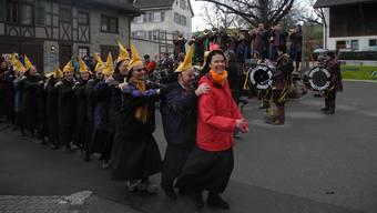 Die Guggenmusik «Bräusi-Vögel» beim Kloster Fahr