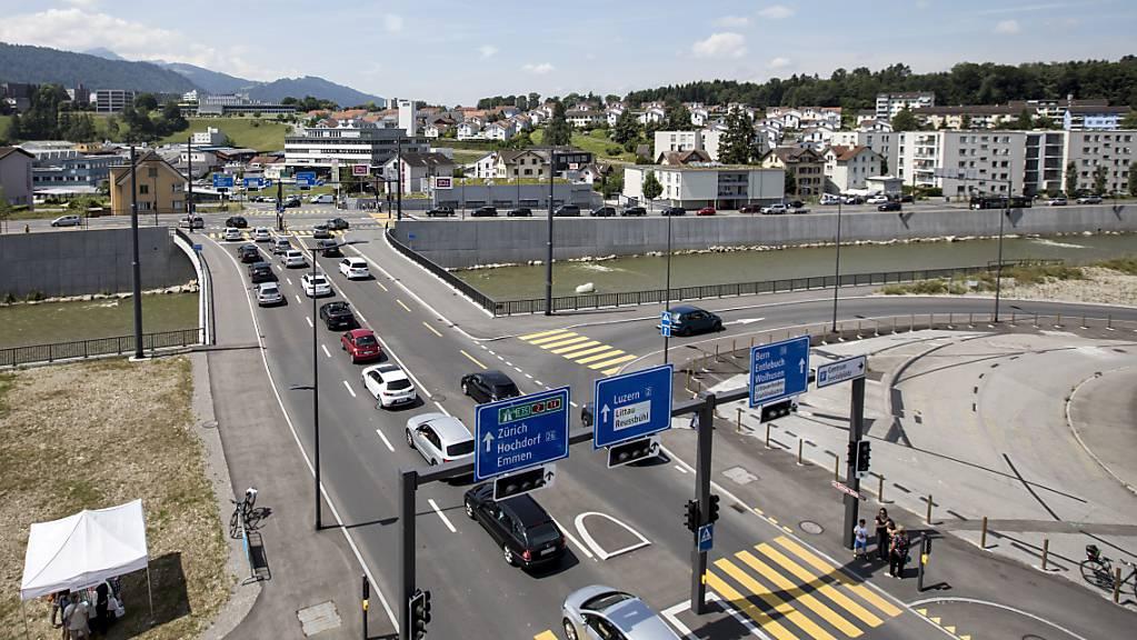 Der Seetalplatz in Emmenbrücke LU ist Teil der Verkehrsdrehscheibe Emmenbrücke. (Archivbild)