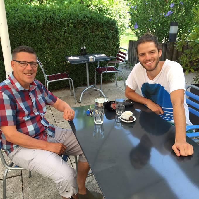 Maximilian trifft Stadtoriginal Charly zum Kaffee Teil 1