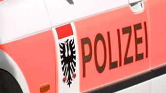 Die Stadtpolizei Aarau bleibt wegen ihres Mitarbeiters in Untersuchungshaft in den Schlagzeilen. (Archiv)
