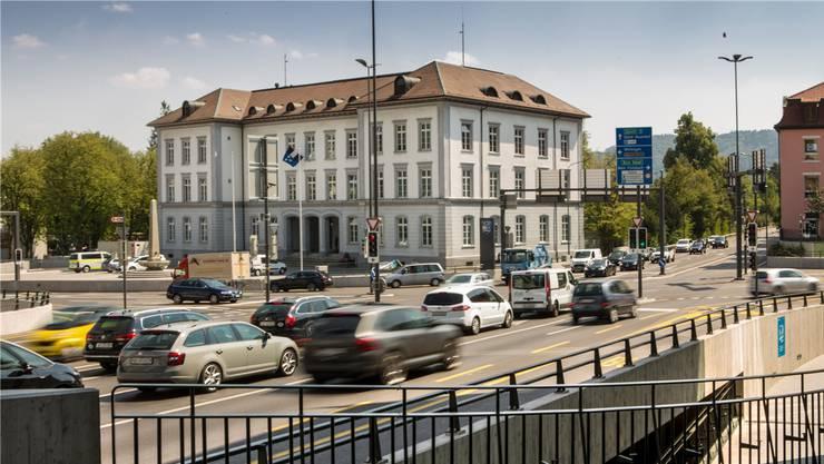 Der Schulhausplatz in Baden ist die meistbefahrene Kreuzung im Kanton. Sie wurde für 100 Millionen saniert und im August 2018 eröffnet.