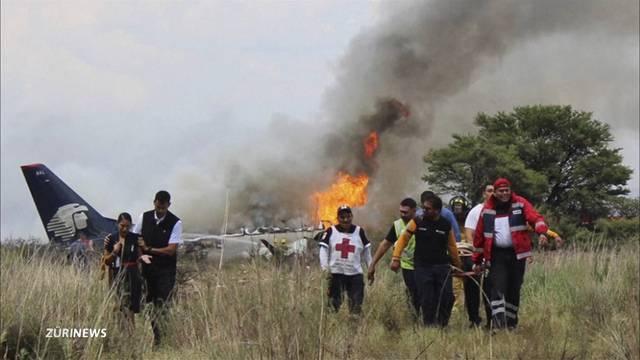 Passagiere überleben Flugzeugabsturz in Mexico