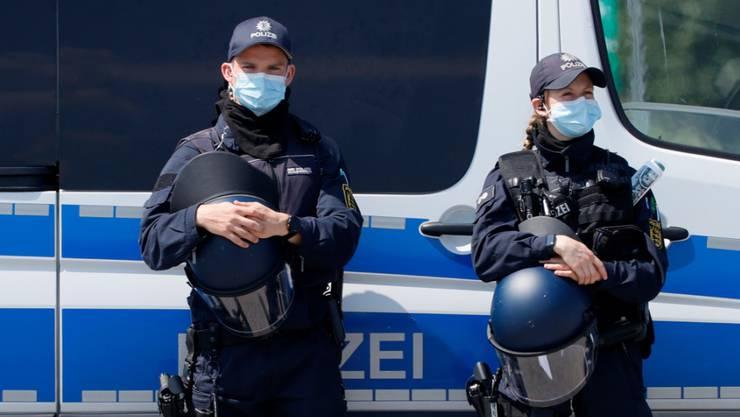 In Stuttgart ist es am frühen Sonntagmorgen zu Ausschreitungen und Plünderungen gekommen. Die Polizei nahm einzelne Randalierer fest. (Archivbild)
