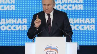 Mehr Volksnähe fordert der russische Staatschef Putin von der Regierungspartei Geeintes Russland.