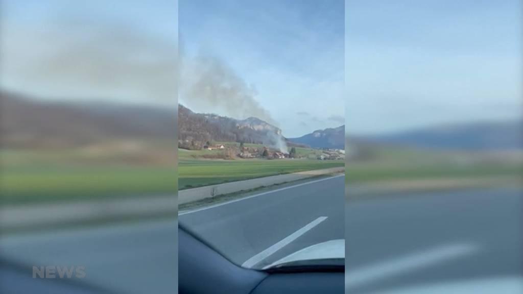 Niederbipp BE: Bauernhaus steht in Flammen