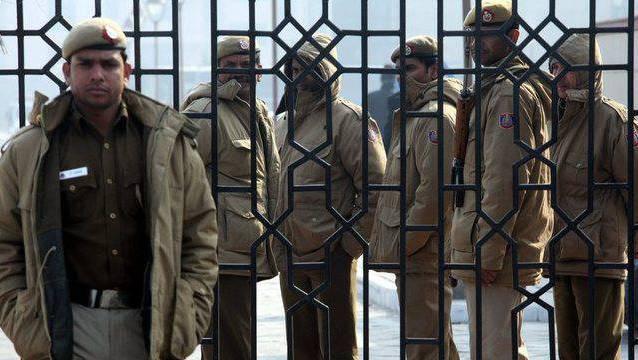 Polizisten vor dem Gericht in Delhi. (Symbolbild)