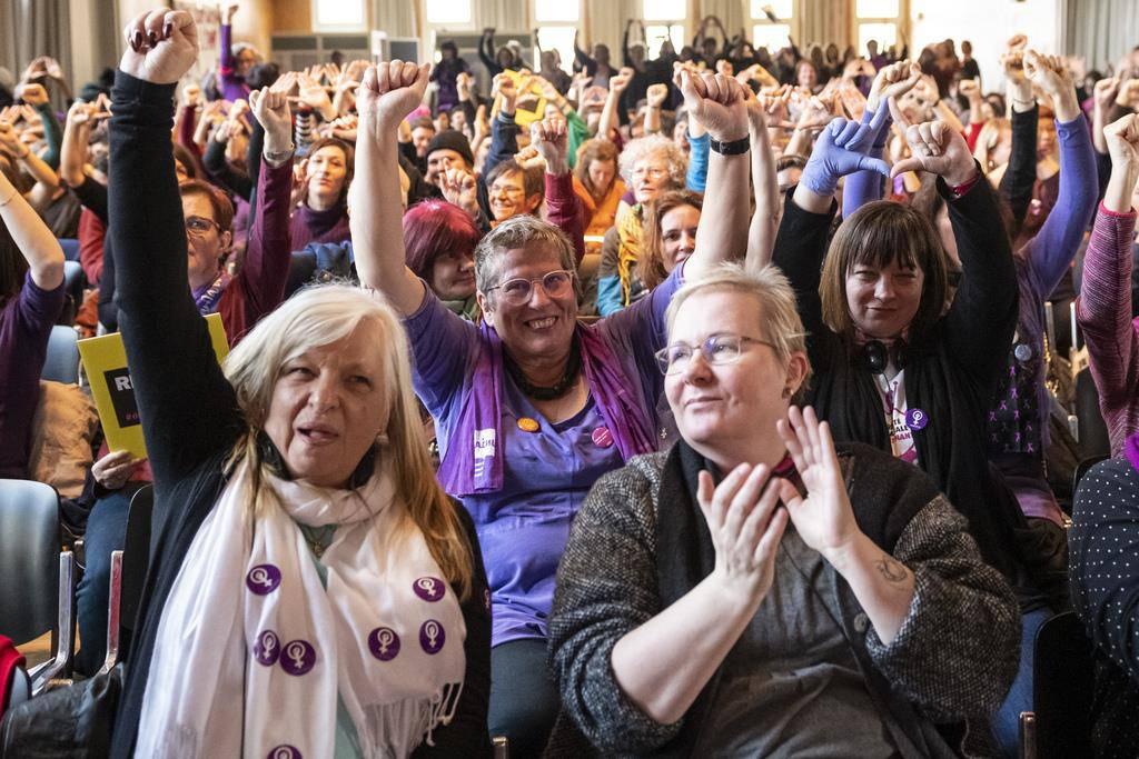 Frauenversammlung in Biel (© Keystone)