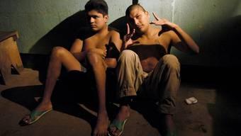 Zwei Jugendliche in einer Jugendstrafanstalt in Guatemala City (Archiv)