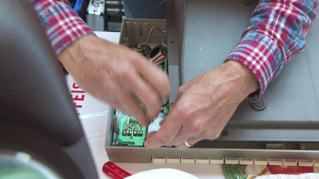 Gegentrend: Repair Café hält Wegwerfgesellschaft Spiegel vor