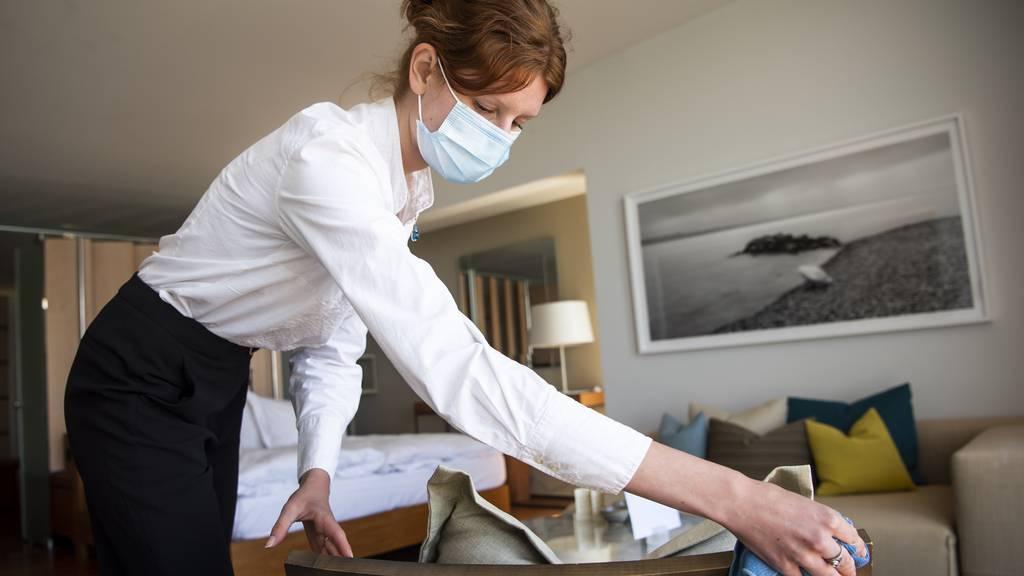 Hotellerie verzeichnete einen Viertel weniger Logiernächte als 2019
