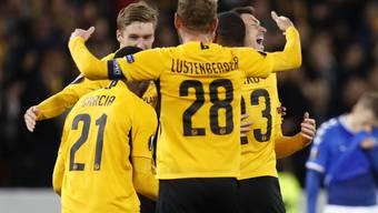 Das sehr späte 2:1 versetzte die Spieler und das ganze Stade de Suisse in Begeisterung
