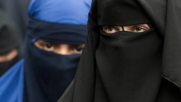 Das dänische Parlament hat ein Gesetz verabschiedet, das muslimischen Frauen das Tragen von Ganzkörperschleiern (Burka) und Gesichtsschleiern (Nikab) untersagt. (Symbolbild)
