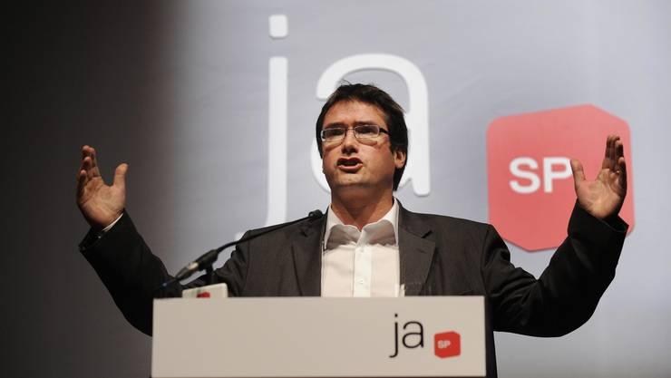 Christian Levrat kritisierte an der Delegiertenversammlung der SP Basel-Stadt die Grünen vor voll besetzten Rängen. (Hier am vergangenen Parteitag) (Bild: Andreas Meier)