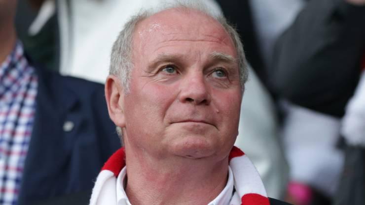 Uli Hoeness kehrt am Freitag, 25. November 2016, wieder an die Spitze des FC Bayern München zurück und wird nach drei Jahren Unterbruch wieder zum Präsidenten gewählt.