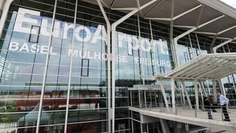 Auf dem EuroAirport Basel-Mülhausen (EAP) ist die Sanierung des alten Flughafengebäudes abgeschlossen worden. (Archiv)