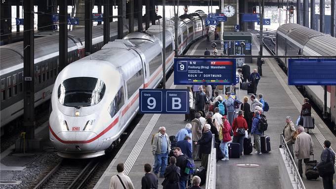 Weil Züge aus Deutschland oft unpünktlich ankommen, leiden die Verbindungen ab Basel.