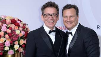 """Der Designer Guido Maria Kretschmer (""""Shopping Queen"""", r) und Frank Mutters (l)  sind seit 30 Jahren zusammen und seit 2012 eingetragene Partner. Im September wollen sie nun heiraten. (Archivbild)"""