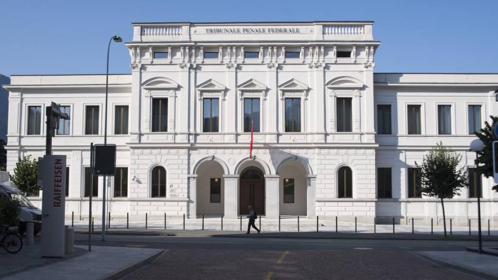 Das Bundesstrafgericht in Bellinzona hat den Beginn des Prozesses gegen drei frühere deutsche Fussball-Funktionäre und den Ex-Fifa-Generalsekretär Urs Linsi auf Mittwoch verschoben. (Archivbild)