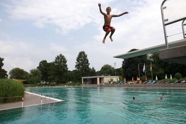 Im Schwimmbad können sich alle erfrischen