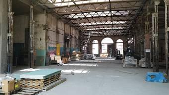 In der Aeschbach-Halle läuft der Schlussspurt der Bauarbeiter.