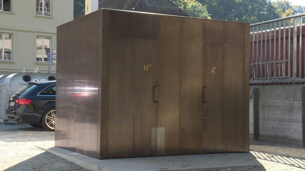 Rar und teuer:  Öffentliche Toiletten in Bern