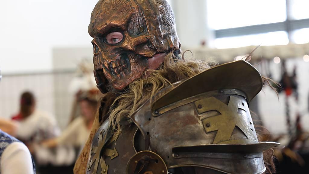 Schrille Kostüme, Games und bekannte Schauspieler: Die Fantasy ist eröffnet