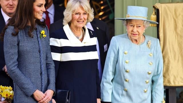 Drei adlige Damen unterwegs: Die Queen, Camilla und Kate (v. r.)