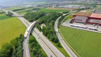 Beidseits des Autobahnkreuzes Härkingen (im Bild) wird die A1 künftig sechsspurig sein.