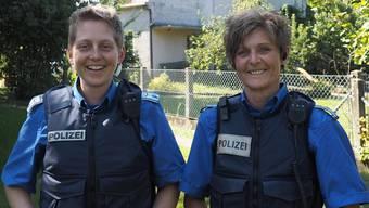 «Ich habe den genialsten Job, den ich mir vorstellen kann»: Nicole Holliger (links) und Nadia Frei gefällt es bei der Polizei Oberes Fricktal. Thomas Wehrli