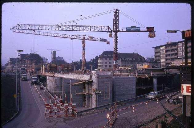 Der Neumarkt I im Bau. Die Arbeiten begannen 1971.
