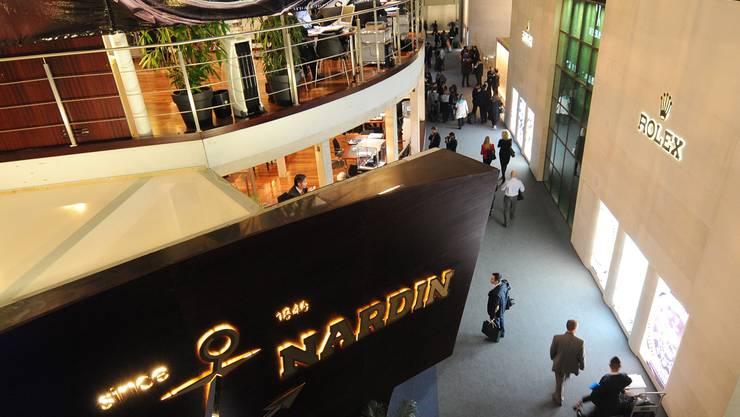 Superedel: Standbauten an der Baselworld 2012.
