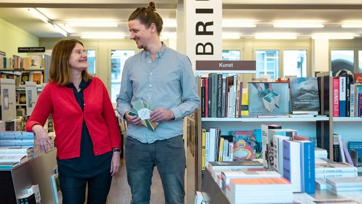 Die einzigartige Geschichte des Libriums geht weiter: Susanne und Laurin Jäggi in ihrer Buchhandlung am Badener Theaterplatz.