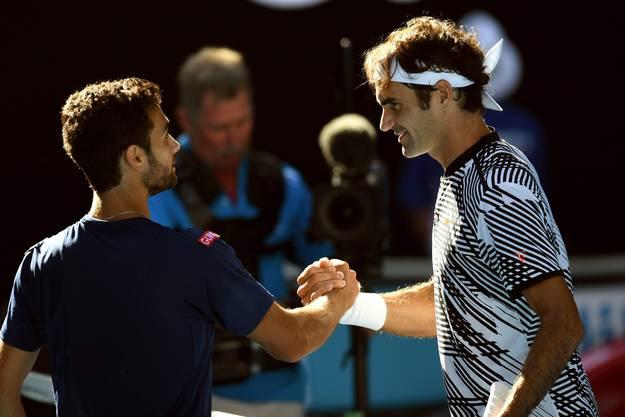 Obwohl er ohne Satzverlust bleibt, stellt sich Federer nach dem Sieg gegen den Qualifikanten Noah Rubin (20) Fragen: «Es ist toll, in drei Sätzen durchzukommen, aber ich wünschte, ich könnte noch mehr Gutzi geben!» Er weiss, dass in der 3. Runde ein echter Gradmesser wartet.