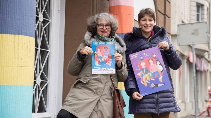 Caroline Smrstik, (r.) Vorstandsmitglied, und Christa Camponovo, Präsidentin des Vereins Zauberlaterne Baden-Wettingen, organisieren die «Kleine Laterne».BSC