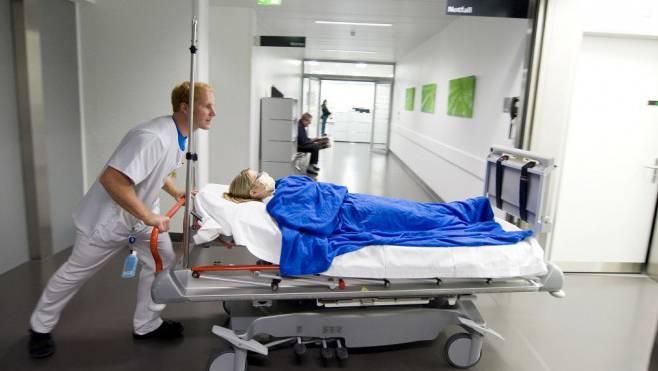 Freiwillige können nun mithelfen, eine Überlastung des Aargauer Gesundheitswesens zu verhindern. (Foto: Keystone)
