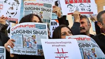 Demonstranten im Herbst 2017 vor einem Gericht in Istanbul.