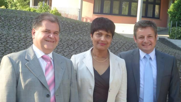 Von links: Gesamtleiter Karl Diethelm, Susan von Sury, die neu in den Vorstand gewählt wurde, und Vereinspräsident Andreas Kummer. igu
