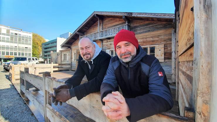 In den Startlöchern fürs Winter-Wunderland: Chris van den Broeke (l.) und Jumbo Monopoli.