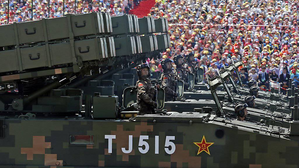 Militärparade im Peking: Chinas Militärausgaben sind im vergangenen Jahr um 7,4 Prozent gestiegen. Sie betragen dennoch weniger als die Hälfte jener der USA. (Archivbild)