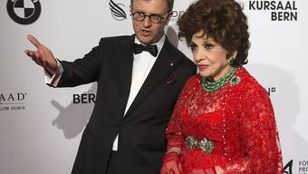 """Die 88-jährige Filmdiva Gina Lollobrigida - hier 2013 auf der """"Gala de Berne"""" - steht seit gestern wieder vor Gericht: Ihr Ex-""""Mann"""" ist angeklagt, sie unter Vorlage einer gefälschten Vollmacht gegen ihren Willen """"geheiratet"""" zu haben (Archiv)."""
