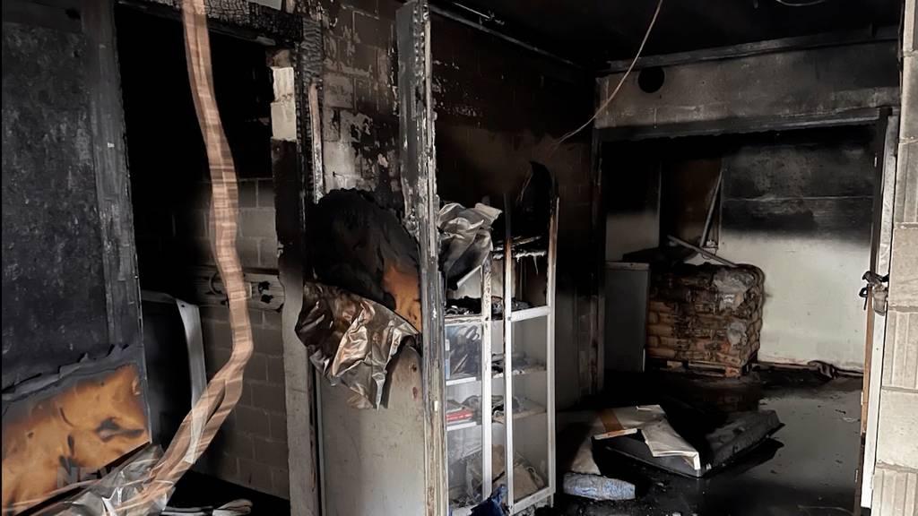 Brand und Explosion in Industriegebäude in Büsserach