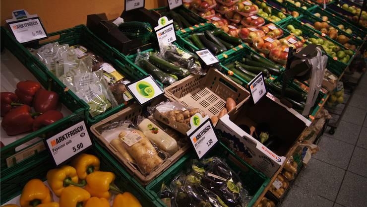 In kleinen Migros-Filialen (hier in Wildegg) ist das Angebot an Bio-Gemüse je nach Nachfrage unterschiedlich gross.