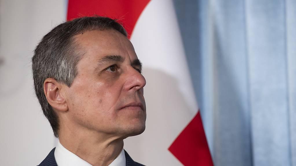 Aussenminister Ignazio Cassis will eine härtere Gangart der Schweiz gegenüber China einschlagen. (Archivbild)